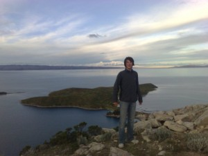 Joo im Vordergrund, im Hintergrund Blick über die Isla del Sol